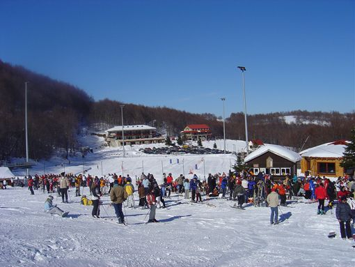 VISIT GREECE| Outdoor Activities, Ski 3-5 pigadia Ski center © GNTO/Imathia Prefecture_Naousa