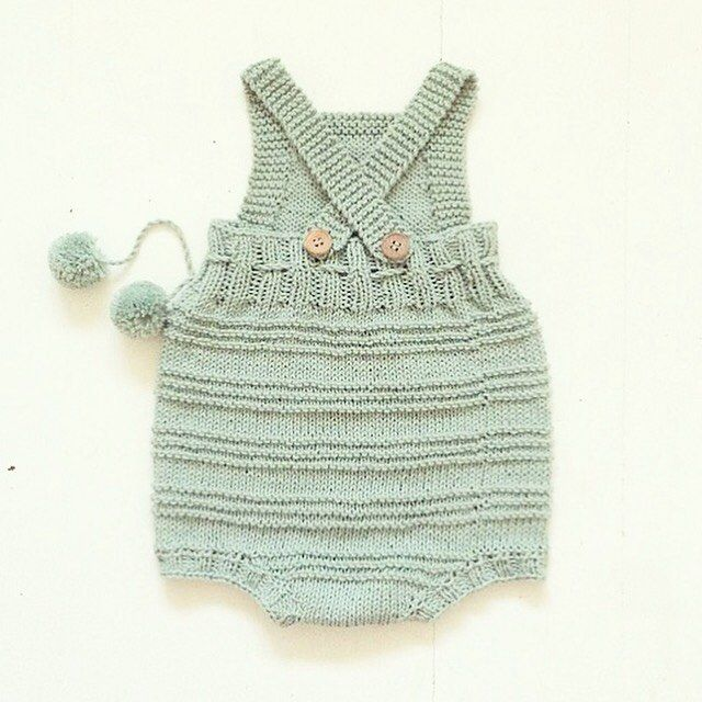 • B I L L I E • baby romper. From behind. Pattern in DANISH & ENGLISH on strikdet.etsy.com