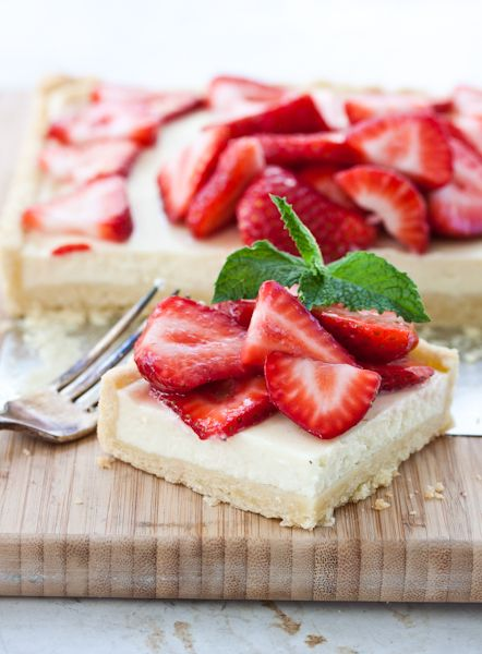 Strawberry mascarpone crostata.... looks sooo good for one of those days when you just need a real treat!