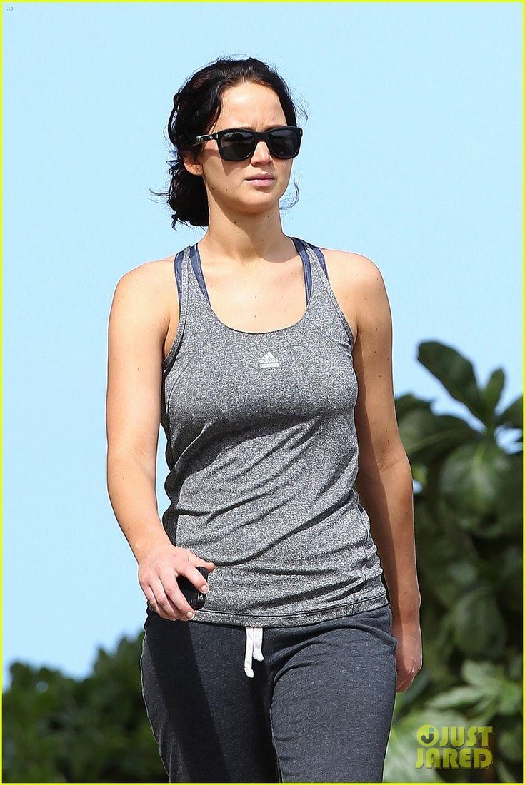 Jennifer Lawrence: Bikini Babe in Hawaii!