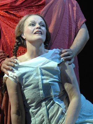 ♫ June #Anderson, American Soprano made her debut at New York City Opera in 1981 singing as Regina della Notte in Die Zauberflöte by Wolfgang Amadeus #Mozart. In StreamOpera's catalogue with #Salome by Richard #Strauss ♫