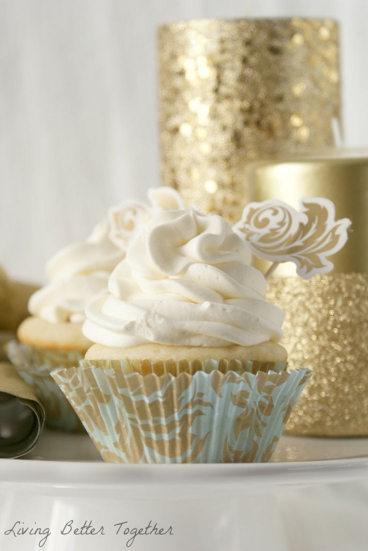 White Chocolate Raspberry Champagne #Cupcakes