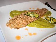 Filetto di rombo al sesamo su crema di zucchine e glassa alle cipolle
