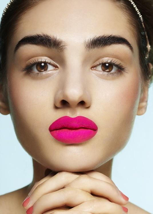 Diva Magazine   Read My Lips  Model: Pauline Gier  Hair & Makeup: Sandra Arndt  Photographer: Frauke Fischer