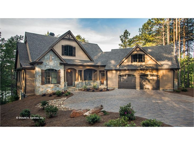 17 best images about house plans w angled garage on for One story lake house plans