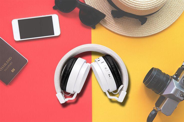 Cu gandul la #soare si #vacanta, planuieste #calatoria perfecta ☀️ Pe langa smartphone 📱, camera foto 📷, palarie 👒 si ochelarii de soare 😎, nu uita sa iei cu tine Castile Pliabile cu #Bluetooth 🎧. Aceste #casti asigura o auditie muzicala de pana la 4 ore si permit efectuarea/ preluarea de apeluri, astfel ca te poti bucura de melodiile preferate si de convorbiri clare oriunde si oricand.   #promotionale #marketing #promovare #travel #summer #music #promo #selling #casti #headphone
