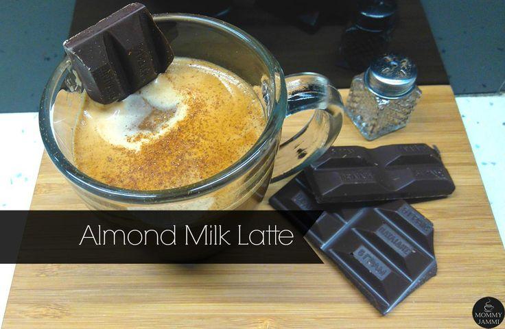 Almond Milk Latte ή αλλιώς espresso με γάλα αμυγδάλου και κακάο