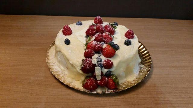 Sims Cake Shop: Bolo de chocolate com recheio de creme de queijo c...