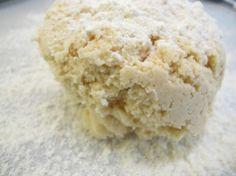 """Grundrezept Mürbeteig aus Nussmehl -paleo/lowcarb- Rezept Frühstück, Mittagessen, Zwischendurch - Gesund Abnehmen! Low carb, wenig Kohlenhydrate und viel Fett! Für einen glutenfreien Mürbeteig eignen sich auch glutenfreie Nussmehle wie Erdmandelmehl, Maniokmehl, Kokosnussmehl oder Kochbananenmehl. Außer dem Geschmack zählen noch die eigene Verträglichkeit sowie der Kohlenhydratgehalt der verschiedenen """"Mehle"""". Hier muss man eben abwägen: Mandeln enthalten das Vielfache von Phytinsäure,"""