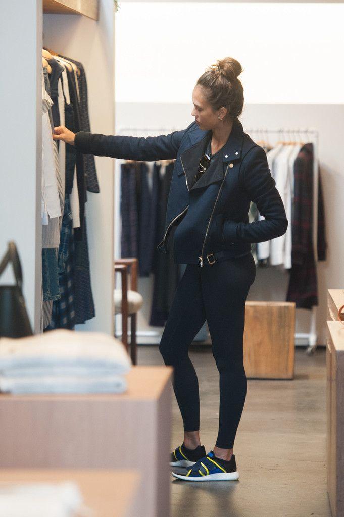 Best 25 Jessica Alba Casual Ideas On Pinterest Jessica Alba Style Jessica Alba Fashion And