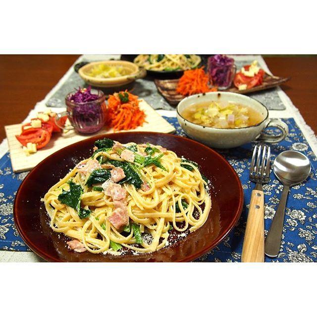 fumiyo.w#晩ごはん( ¨̮ )。 * 連日、簡単ごはんに逃げております(^^;。 * •ほうれん草とベーコンのクリームパスタ。 •大根キャベツのスープ。 •人参ツナサラダ。 •紫キャベツのコールスロー。 •完熟トマト。 * ごちそうさまでした( ´͈ ᵕ `͈ )。 * #おうちごはん。#ごはん。#夕食。#夜ごはん。#うつわ。#器。#益子焼。#山の口焼。#辻口康夫。#葉々窯 。#佐藤崇 。#森喜窯 。#森山健治。#KAUMO 。#KURASHIRU 。#instafood 。