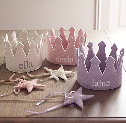 personalizable wool felt crowns and matching wands. perfect for stuffing their stockings. #rhbabyandchild