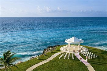 Dreams Cancun Resort & Spa - All Inclusive, Cancun Image 42 of 49 - Outdoor Wedding Area