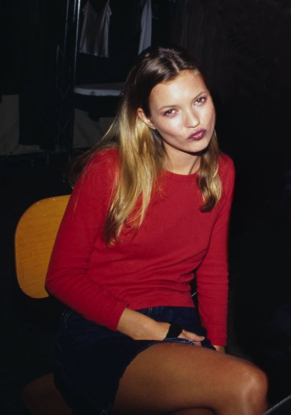Kate Moss, backstage 1995
