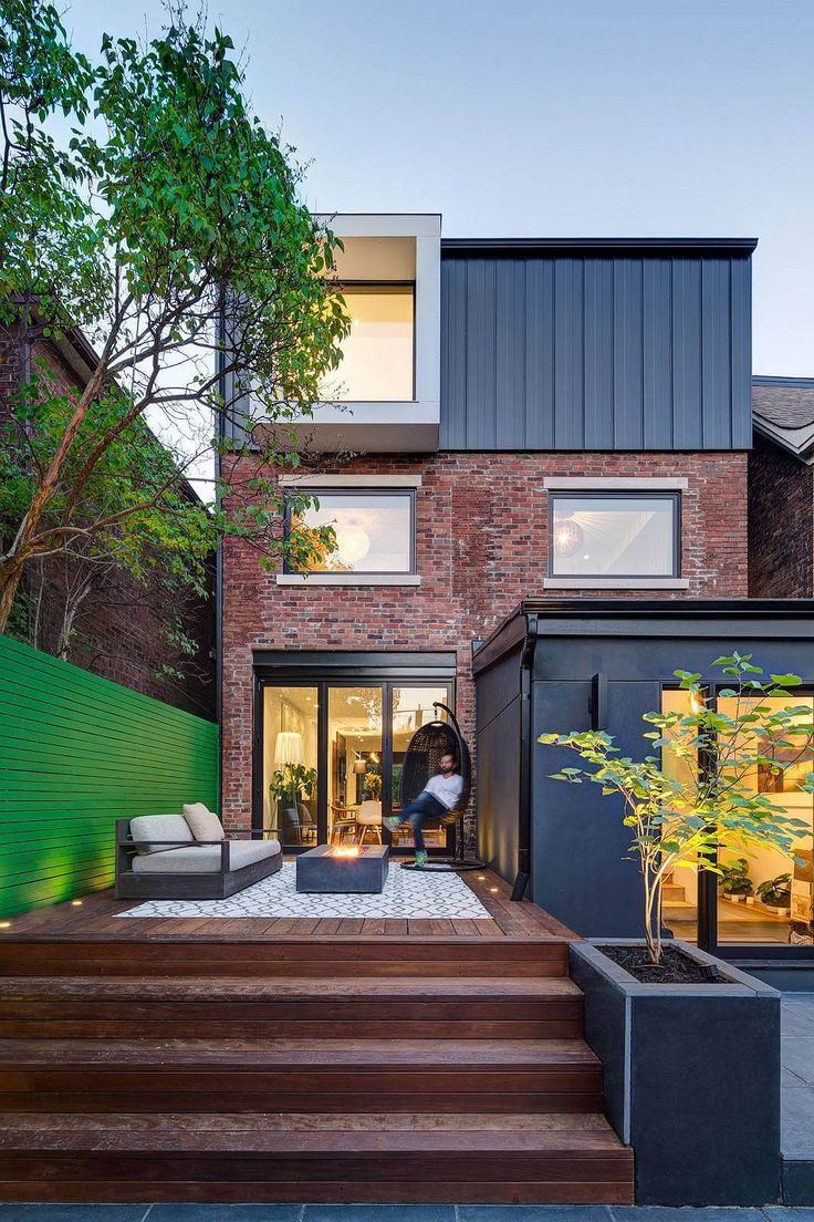 On first look the Riverdale Dormer House looks more like a fabulous  residence with mid-