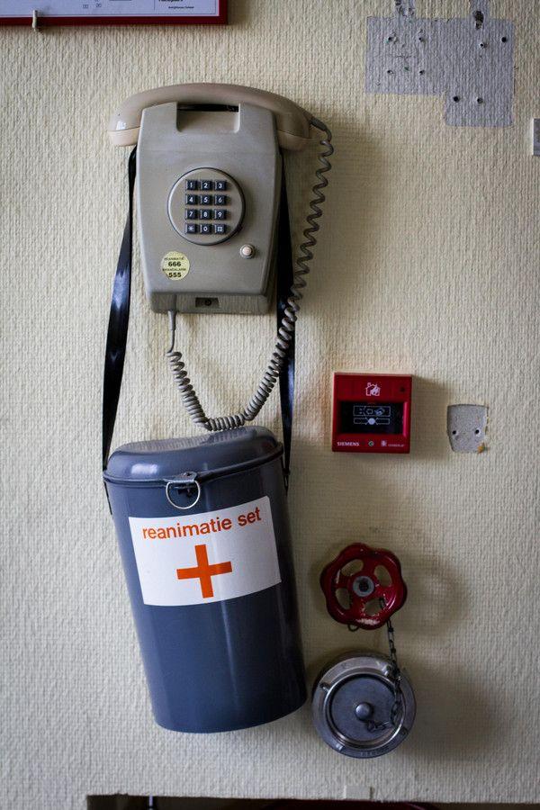 Oude telefoons en reanimatiesets laten nog maar eens zien hoeveel er de laatste jaren is veranderd.