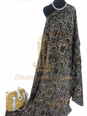 IDR: 150k | Batik Cap Jogja | Motif Sogan Klasik  | Ukuran kain: 2,06m x 1,16m | Kode: 326    | Catatan: Item dijual tidak termasuk tas dan kalung yang terlampir di foto. #batik #dhamparkencono #solo #indonesia #boutique #batikcap