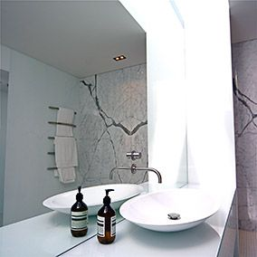 Get the best bathroom glass walls from NZ Glass at competitive price, we believe in quality according to your fit budget.