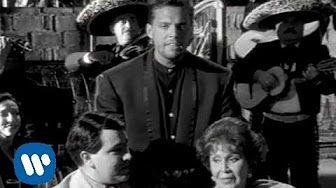 LUIS MIGUEL; LA MEDIA VUELTA. Aqui participaron los grandes de la cancion mexicana, Juan Gabriel, Lola Beltran y Carlos Monsivais, Katy Jurado, Ofelia Medina, JAVIER MARK....