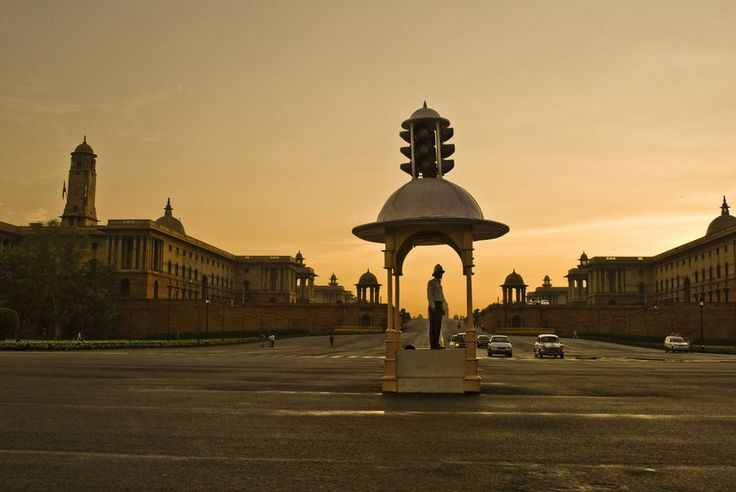 Raj Path (King's Way, by Edwin Lutyens) New Delhi