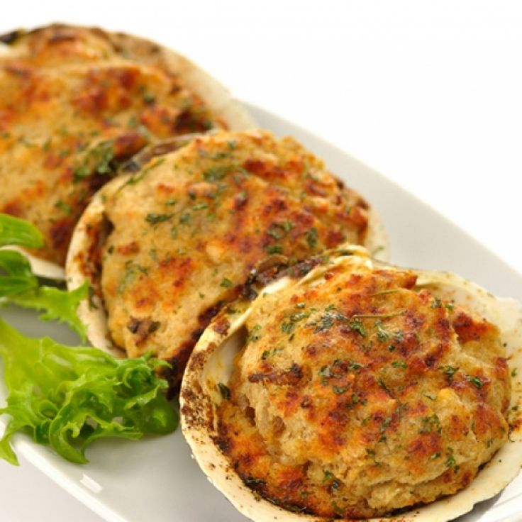 A Very tasty recipe for stuffed clams. These are a great appetizer for all seafood lovers.. Crispy Stuffed Clams Recipe from Grandmothers Kitchen.