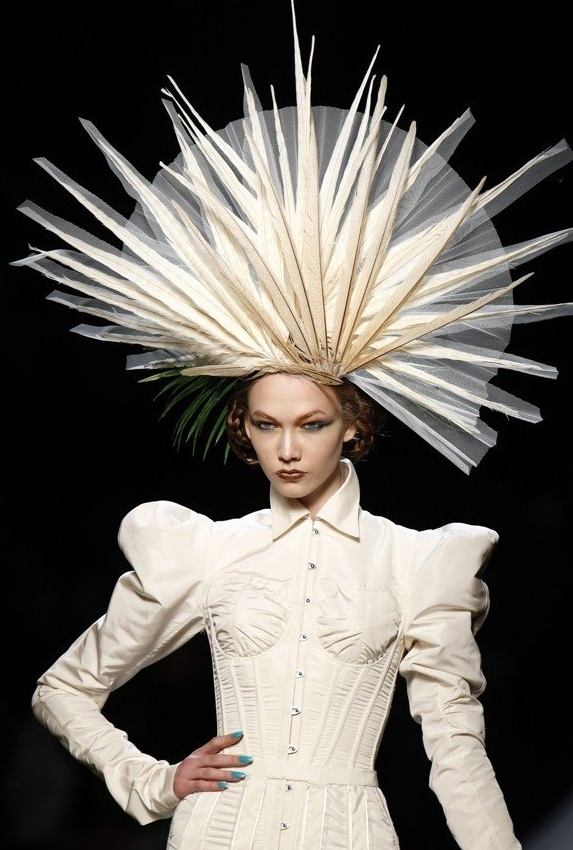 White feathered hat - Stephen Jones