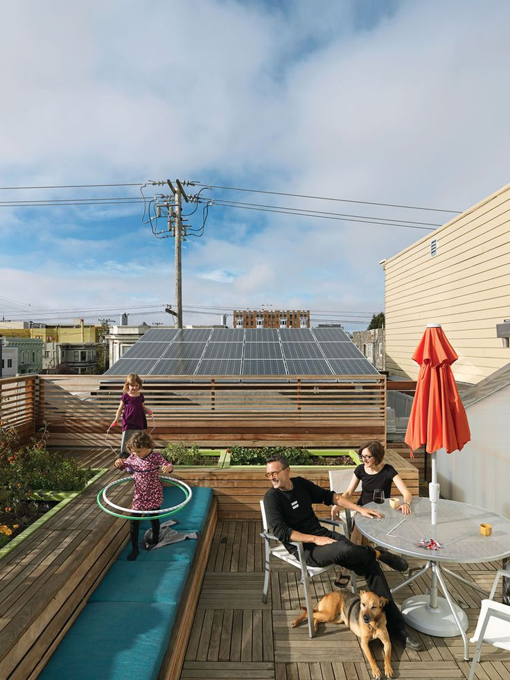 Roof with vegetable garden and furniture