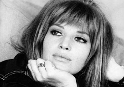 Monica Vitti...altro che Loren. Bellissima e bravissima!