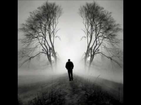 Şimdi ne oluyor biliyor musun yüreğimde?  Fırtınalar kopuyor...  İşte öyle.  Garip bir haldeyim, sövesim var düzene.    Seni buldum içimde, daha dün gözlerimdeydi gözlerin.  Nasıl içimi ısıtıyordu  sözlerin.  Hani salaş meyhanemiz vardı bir tane.  O da yok artık, sen yoksun ya o da karanlıklar içinde.    Ellerim cebimde, soğuktan yüreğimin nefesi donuyor,...