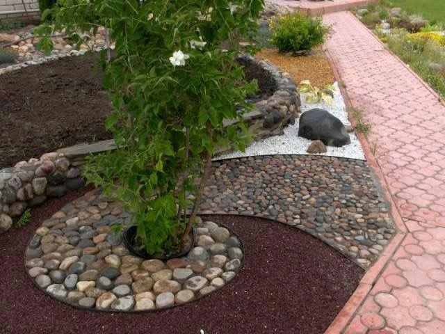 We Ve Compiled A List Of Cheap Landscaping Ideas That Will Not Only Be Fun To Start But Will Also Look In 2020 Rock Garden Design Rock Garden Landscaping Rock Garden