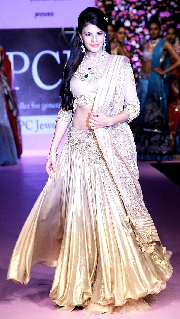 Jacqueline Fernandez at a major jewellery fashion event #Bollywood #Fashion