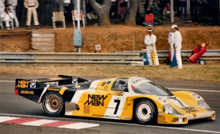 Joest Porsche on its way to victory