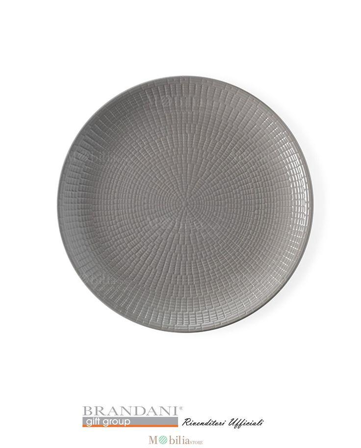 Brandani Set 4 Piatti Moderni Granaglie Tortora, realizzati in stoneware una ceramica leggera e resistente, finemente realizzati con decori geometrici dalle linee semplici ed armoniose, le quali formano delle casellature raffinate e ben distribuite che ne esaltano il colore.