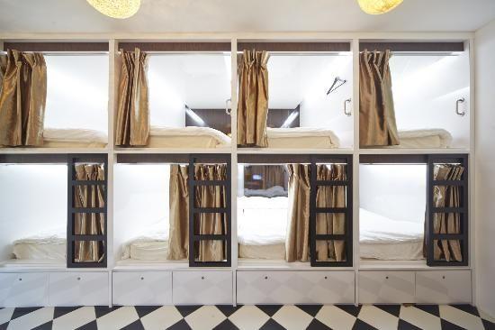 Vintage Inn - capsule hotel, Singapore