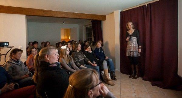 Reiten in Balance - Theorie-Seminar Teil 3, am 4.3.2016: Seitengänge, Referentin Petra Köpcke in Kühsen (SH)