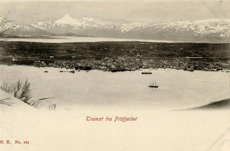 Tromsø fra Fløifjellet foto Normann utg Narvesen
