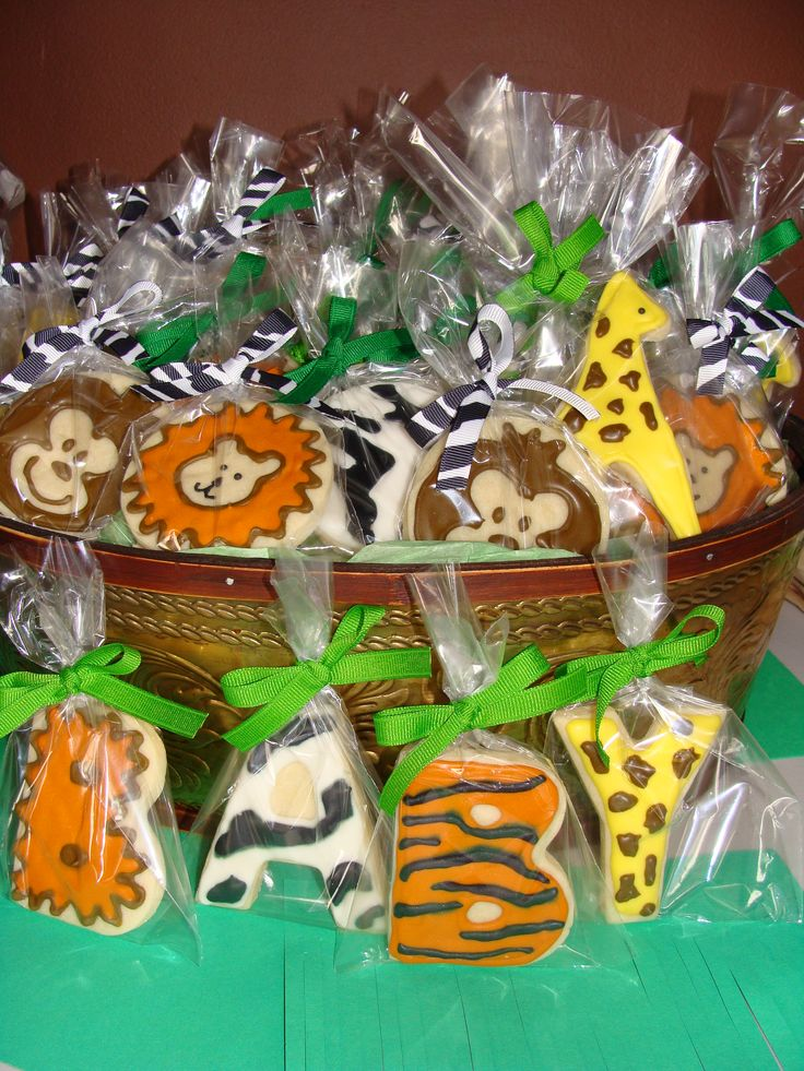Best 25 Jungle baby showers ideas on Pinterest  Jungle theme baby shower Safari theme baby