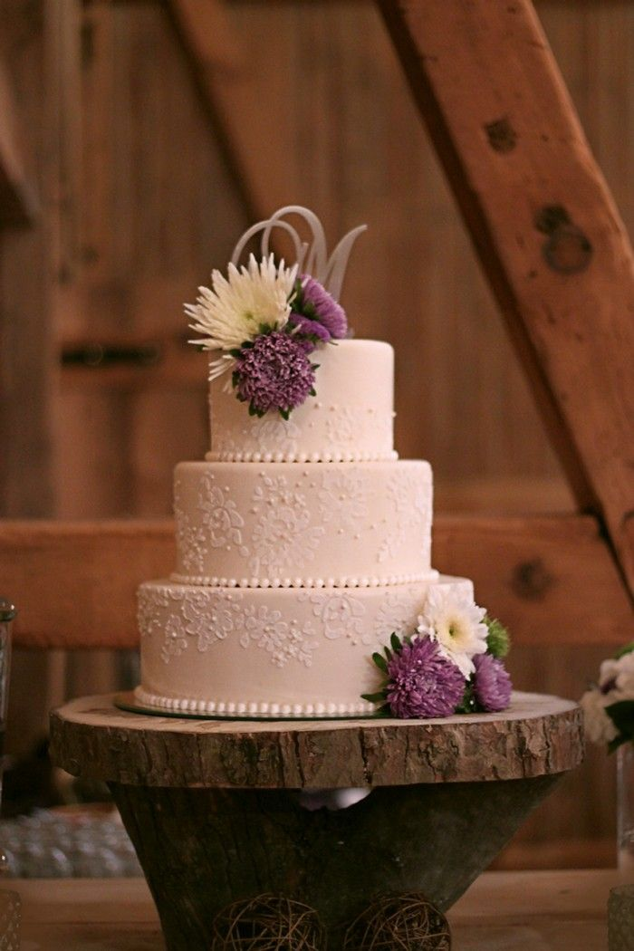 wedding cake with lace and flowers 85 best images about purple weddings on 26909