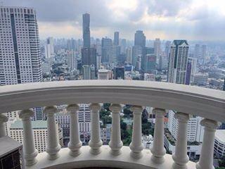 @ujjwala_n Lebua state tower, thailand, skyline, skyscrappers, clouds, flying, travel diaries, honeymoon, bangkok, bangkok city travel, lebua balcony, balcoony view, thailand view, hangover movie, dinner, rooftop, honeymoon, destination, balcony view, bangkok city,