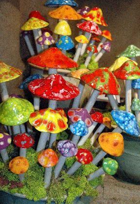 http://www.artbyconny.com/files/782822/uploaded/Ceramic_Garden_Art_Fun_Mushrooms.jpg