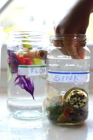 float sink experiments for kids – perfect summer science experiment for preschoolers Jessica Escobar