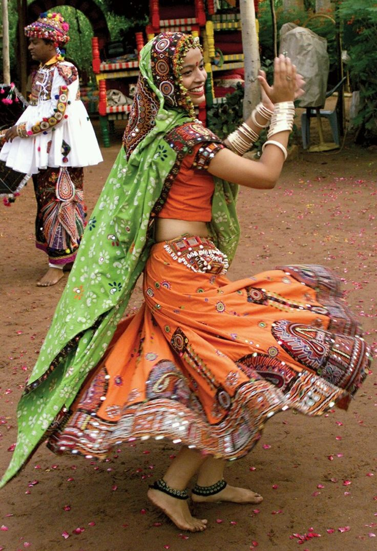 A Gujarati folk dancer, dressed in traditional attire, practices for a garba dance for the upcoming Hindu festival of Navratri in Ahmedabad. Navratri is the longest Hindu festival. It continues for nine consecutive nights in praise of Hindu Lord Rama (Reuters).