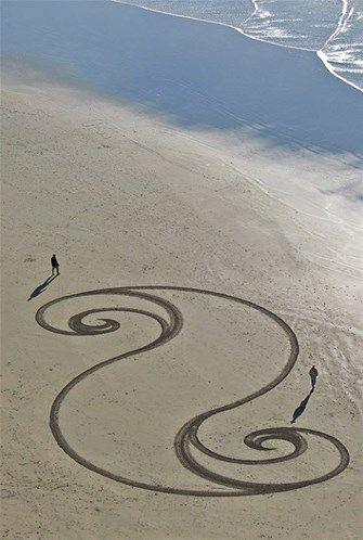 Afbeelding: Adembenemende strandschilderingen (© Andres Amador)