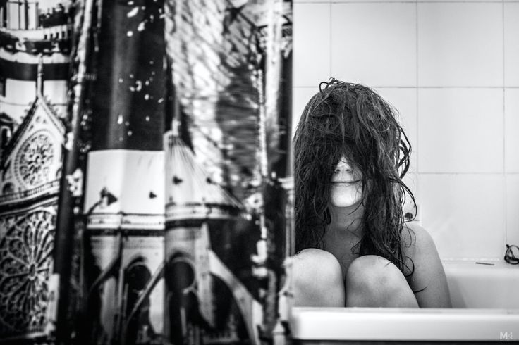 La fidanzata è timida davanti allobbiettivo, ma il fotoprogetto del suo ragazzo è un capolavoro di tenerezza (FOTO)