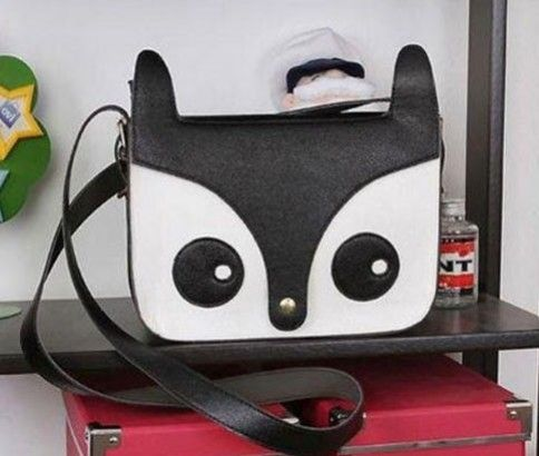 Owl shoulder bag for only $13 delivered from #ikOala. Choose from red, black, or brown, it's the perfect gift for the night owls or anyone who wants a cool bag.