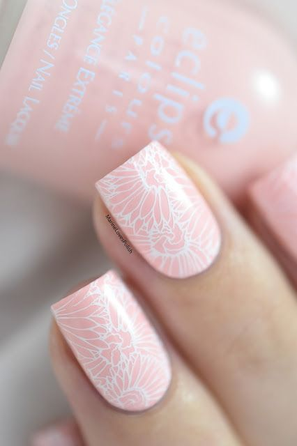 Marine Loves Polish: Pastel Spring - Eclipse rose pastel - B Loves Plates B.02 Flower Power - floral nails - stamping nail art