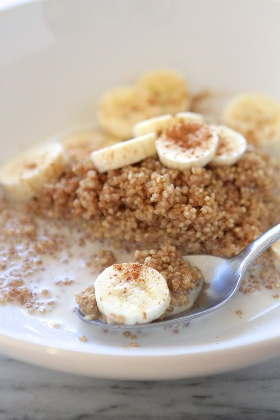 Microwave Cinnamon Maple #Breakfast #Quinoa (ONLY 10 MINUTES) Ingredients:  1/2 cup quinoa 1 cup cold water 1/2 teaspoon cinnamon + more for garnish 2 teaspoons butter milk or cream, to taste maple syrup, to taste banana slices