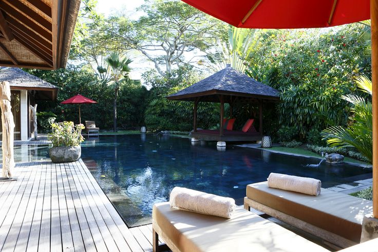 Balinese pool style