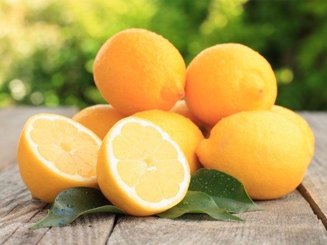El #Limón, además de ser un gran #antioxidante, interviene en la formación del #colágeno, #huesos, #dientes y glóbulos rojos, ayudando a prevenir la #osteoporosis... ¿Quieres saber más? #Naturace te #descubre todos sus #secretos