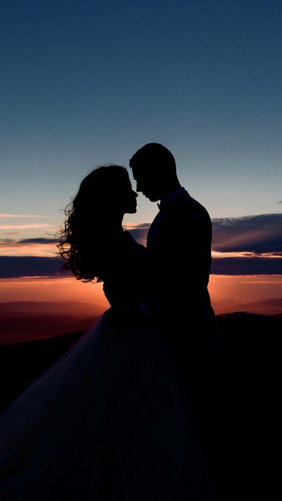 Couple Romantic Sunset Silhouette 4k Ultra Hd Mobile Wallpaper Silhouette Photography Sunset Silhouette Romantic Sunset
